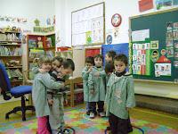 niños en aros