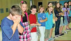 Niños junado teatro uS ARMy