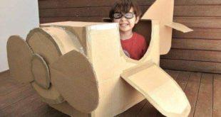 avión de cartón