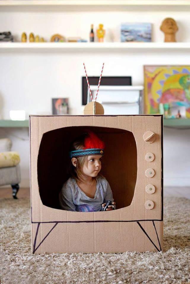 tv de cartón