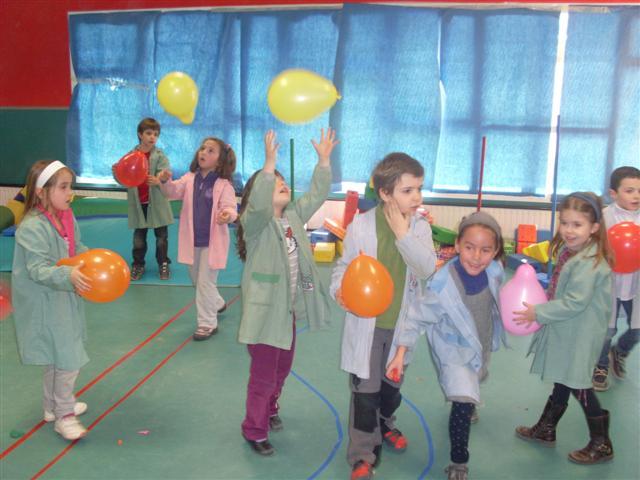 Relajarse En Clase Bailando Con Globos Diario Educacion