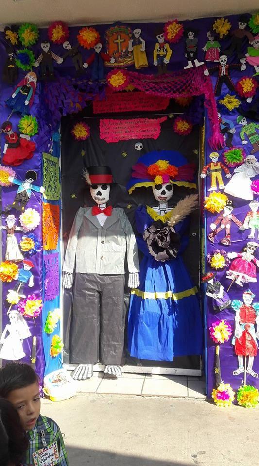 Puertas para el d a de muertos diario educaci n for Puertas decoradas dia del libro